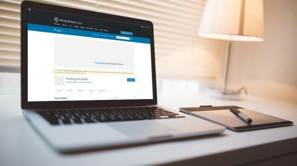 WordPress Plugin Review: Floating Social Bar